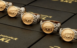 Žalgiriečiams - išskirtinio dizaino aukso žiedai