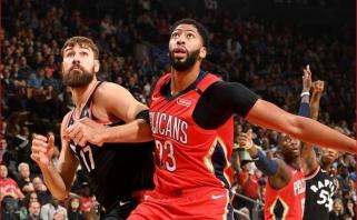 """NBA žvaigždė ir """"Pelicans"""" lyderis A.Davisas iškrito iš rikiuotės dėl sužaloto piršto"""