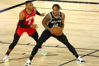 """""""Spurs"""" nepasiduoda: sutriuškino """"Rockets"""" ir prisivijo """"Grizzlies"""""""