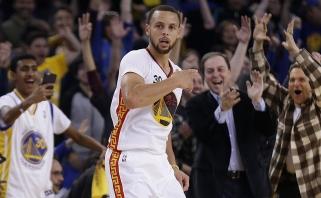 """NBA naktis: S.Curry tritaškių lietus ir """"Warriors"""" pergalė pusšimčiu taškų (rezultatai)"""