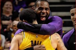 """NBA naktis: neeilinis """"Lakers"""" tandemas ir siautėjantis Hardenas"""