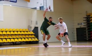 Dėl NBA taisyklių J.Valančiūnas ir D.Sabonis prakaitą lieja individualiose treniruotėse