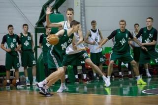 Talentingiausi jaunieji krepšininkai klausysis D.Motiejūno ir patyrusių trenerių patarimų