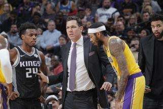 """""""Lakers"""" palikęs L.Waltonas stos prie """"Kings"""" vairo"""