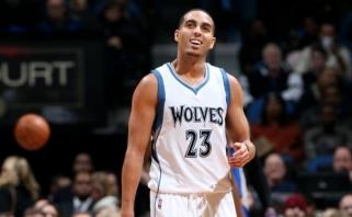 """Timberwolves"" išpirko K.Martino kontraktą, veteanu domisi ""Spurs"" ir ""Mavericks"""