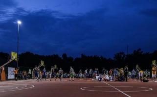 Kėdainiuose - pernai su trenksmu startavusi naktis su krepšinio kamuoliu