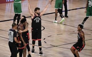"""NBA: """"Raptors"""" sukūrė nedidelį stebuklą, """"Clippers"""" pusfinalyje startavo galingai"""