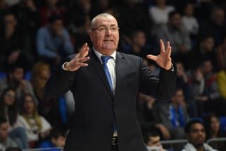 """J.Repeša paliko """"Budučnost"""" vyriausiojo trenerio postą"""