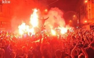 """50 tūkst. aistruolių Sarajave pasitiko """"auksinę"""" bosnių 16-mečių rinktinę"""