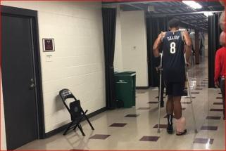"""J.Okaforą traumos persekioja toliau - susižalojo per debiutinį mačą """"Pelicans"""" gretose"""