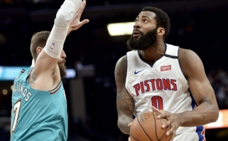 """NBA mainai skaudžiai smogė """"Pistons"""" žvaigždei, """"Clippers"""" sustiprino du patyrę žaidėjai"""