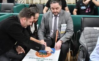 """""""Panathinaikos"""" į Eurolygos rungtynes pakvietė aklą gerbėją, stebėjusį įvykius Braille'io rašto pagalba"""