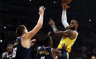 """LeBronas surinko trigubą dublį - """"Lakers"""" patiesė Karnišovo karius  (rezultatai)"""