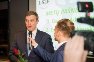 Sporto žurnalistai apdovanojo metų laureatus, įvertintas ir D.Adomaitis