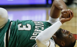 """NBA: D.Wade'o trauma, nutrūkusi """"Spurs"""" serija namuose ir J.Hardeno šou"""