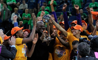 Kvapą gniaužianti drama: WNBA čempiones nulėmė vienas metimas