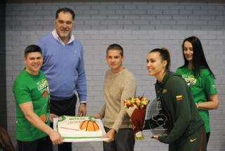 Moterų rinktinė kontrolinėse rungtynėse įveikė Rygos TTT komandą (video)