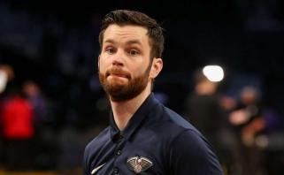 """""""Rockets"""" gerbėjas sulaikytas už smūgį """"Pelicans"""" trenerio asistentui"""