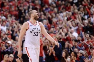 """Pragarišką dviejų pratęsimų trilerį išgyvenę """"Raptors"""" sušvelnino konferencijos finalo rezultatą"""