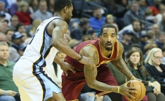 """NBA: """"Cavs"""" pralaimėjimas ir nesustabdomi """"Rockets"""" (rezultatai, aprašymai)"""