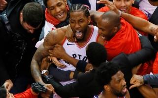 """Stebuklas Toronte: neįtikėtiną metimą su sirena pataikęs Leonardas nulėmė """"Raptors"""" triumfą"""