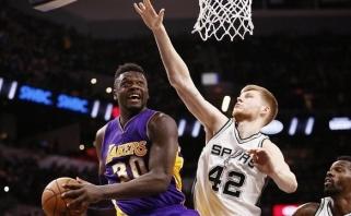 """NBA naktis: """"Spurs"""" pažemino """"Lakers"""", """"Suns"""" ir """"Mavericks"""" grūmėsi Meksikoje"""