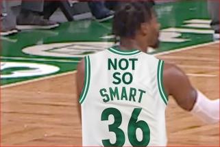"""""""Shaqtin' A Fool"""": kamuolį Baynesui į veidą metęs Westbrookas ir laike pasiklydęs Smartas"""