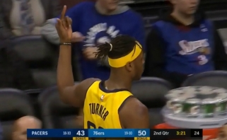 NBA nubaudė D.Sabonio bendraklubį už nepadorų gestą sirgaliams