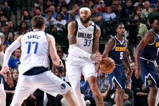 """""""Mavericks"""" bėdos: jų centras atsisakė tęsti NBA sezoną"""