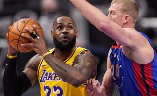 """Sirvydis ir """"Pistons"""" parklupdė čempionus, naujieji """"Rockets"""" lyderiai patiesė """"Blazers"""" (rezultatai)"""