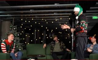 Žalgiriečiai linskminosi žaisdami kalėdines šaradas - vaidino vieni kitus
