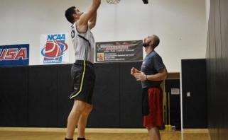 """""""Šilutėje"""" žais rekordinio - net 225 cm ūgio krepšininkas"""