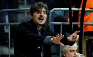 """""""Panathinaikos"""" savininkas vėl kelia triukšmą: apkaltino """"Olympiakos"""" teisėjų papirkimu"""