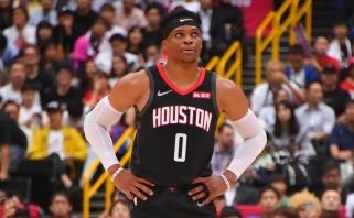 """R.Westbrooko debiutas """"Rockets"""" gretose nepadėjo - pralaimėta čempionams"""