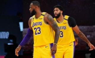 """Po krepšiu dominavę """"Lakers"""" – per žingsnį nuo tikslo"""