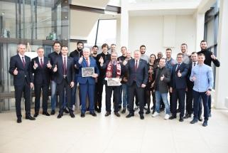 """KTM bronzą iškovojusiam """"Lietkabeliui"""" - solidi savivaldybės premija"""