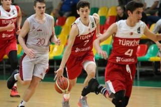 Baltijos taurėje - Latvijos ir Turkijos šešiolikmečių rinktinių pergalės