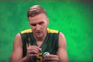 Kaip LKL krepšininkai kiaušinius margino (video)