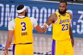 """""""All-NBA"""" tandemas pastatė """"Nuggets"""" į kovinę poziciją"""