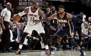 NBA: išskirtinės L.Jameso ir P.George'o taškų lenktynės ir D-Mo ant suolo