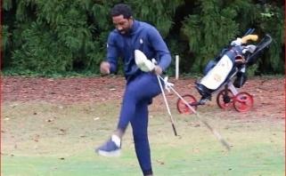 Studentu tapusį dukart NBA čempioną J.R.Smithą golfo turnyre užpuolė bitės
