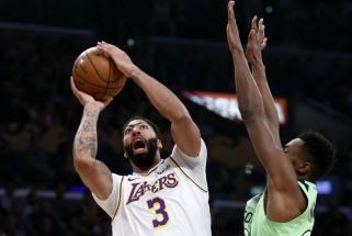 """A.Davisas pelnė 50 taškų - """"Lakers"""" toliau dominuoja"""