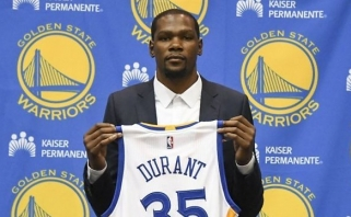 """K.Durantas oficialiai tapo """"Warriors"""" žaidėju"""
