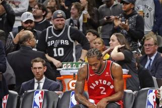 """Negailestingi """"Spurs"""" nušlavė sirgalių nušvilptą bei išdaviku išvadintą Leonardą ir """"Raptors"""""""