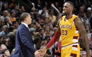 """""""Cavaliers"""" treneris T.Lue: pasakiau LeBronui, kad reikia žaisti greičiau"""