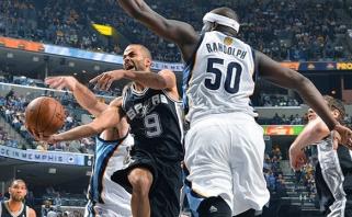 """""""Spurs"""" tiesiausiu keliu žengė į Vakarų konferencijos pusfinalį"""