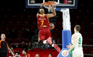 """Neįtikėtiną kėlinį sužaidę """"Galatasaray"""" krepšininkai nukovė """"Uniks"""""""