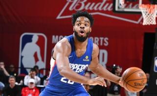"""""""Rockets"""" Indijoje įveikė be žvaigždėtų naujokų žaidusius """"Clippers"""""""
