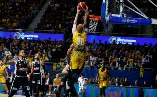 Buvusio žalgiriečio A.White'o rankose – FIBA Tarpkontinentinė taurė
