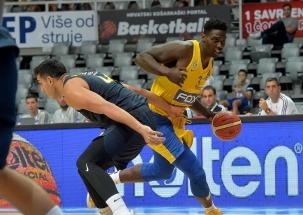 """Eurolygos grandų dvikovoje """"Fenerbahce"""" palaužė """"Maccabi"""" krepšininkus"""